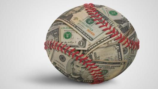 How Baseball Fans Can Make Money Online